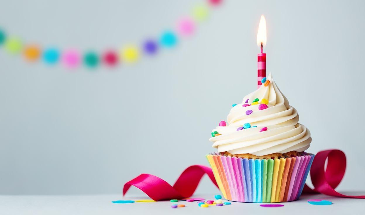 شعر عيد ميلاد صديقتي قصير اصدق كلمات التهنئة
