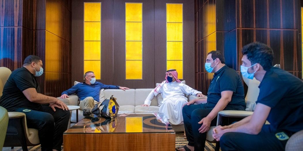 كارتيرون في الدوحة لبدء مهمته مع التعاون