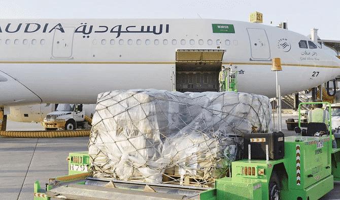 وصول طائرة إغاثية سعودية تحمل مساعدات إيوائية وغذائية إلى السودان