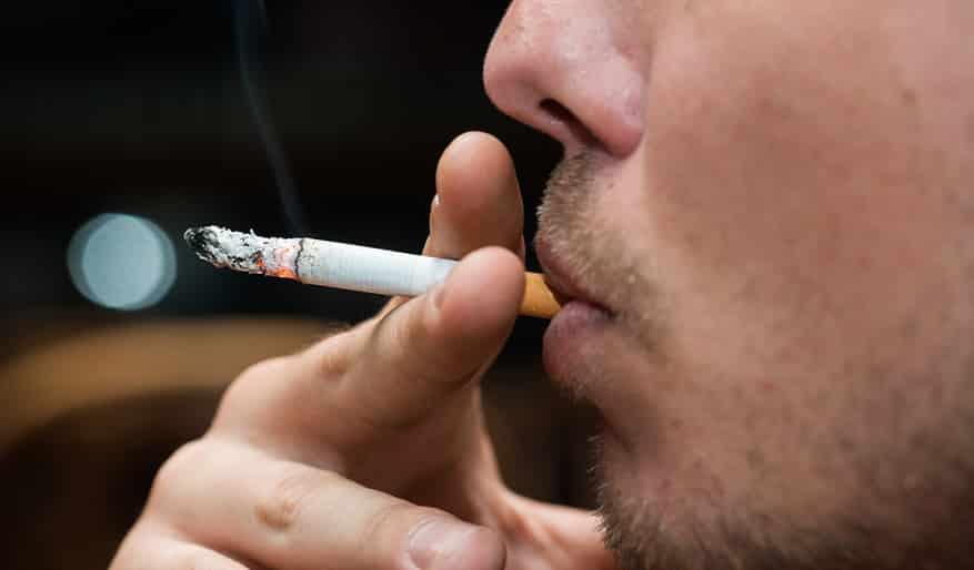 خالد النمر محذرًا: لا تدخن واحصل على كفايتك من النوم