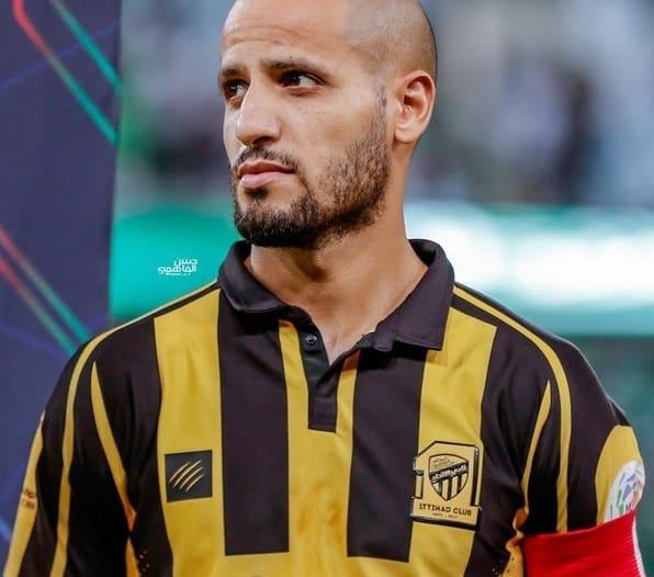 كريم الأحمدي باقٍ في صفوف الاتحاد