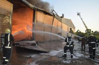 حريق يلتهم مستودعاً للخيام بحي المناخ بالرياض - المواطن