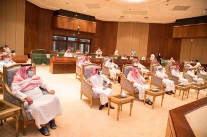 اجتماع وزير الرياضة مع رؤساء الأندية