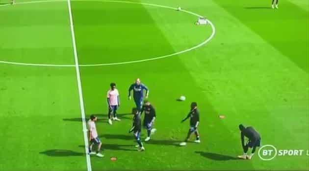 شجار بين لاعبي أرسنال بأول لقاء في الدوري الإنجليزي