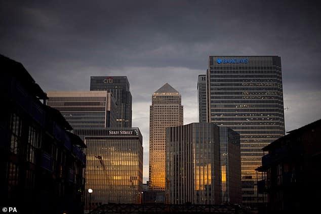 HSBC وباركليز بين أكبر أسماء البنوك المتورطة في عمليات تحويل مشبوهة (4)