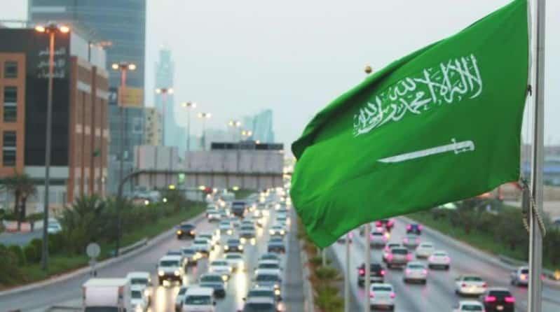 يزيد الغنيم في قصيدة عن اليوم الوطني: نحن السيوفُ ونحنُ المجدُ والنصرُ