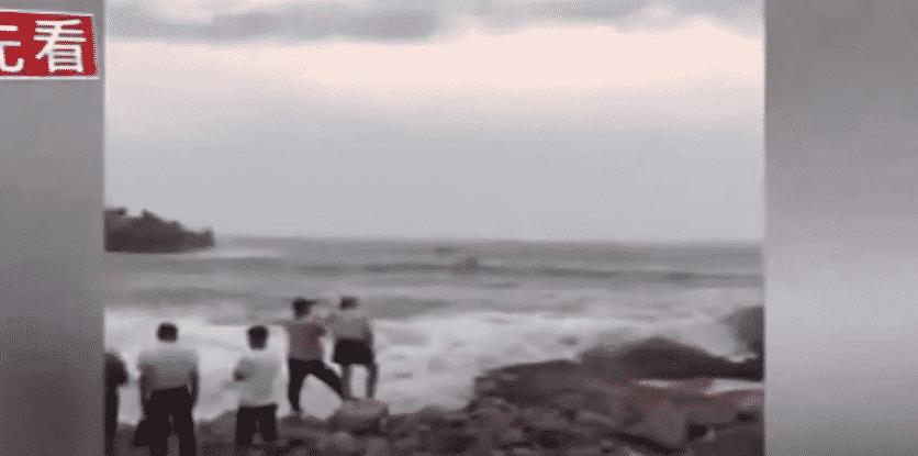 البحر يختطف عروساً ويحيل ليلة العمر إلى كارثة