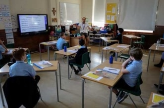 طلاب المدارس في بريطانيا