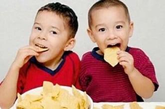 استشارية تغذية للأطفال : تجنبوا الشيبس وهذه البدائل الصحية - المواطن