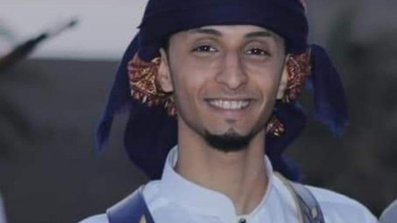 الحوثيون يعدمون أسيرًا ويمثلون به بقطع اللسان وقلع الأذن وفقء العين!