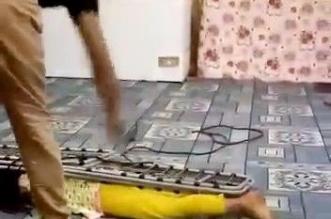 القبض على وافد ربط طفلته واعتدى عليها بالسوط في مكة - المواطن