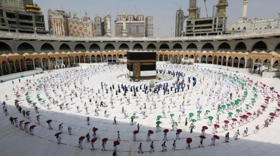 السديس للمصلين والمعتمرين بالمسجد الحرام: تقيدوا بالإجراءات الاحترازية