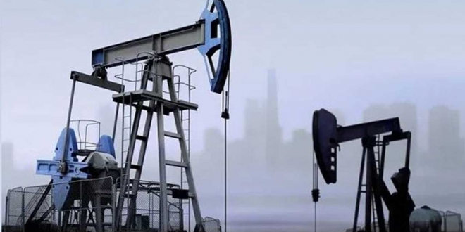 صورة أسعار النفط تغلق منخفضة بنسبة 3 %