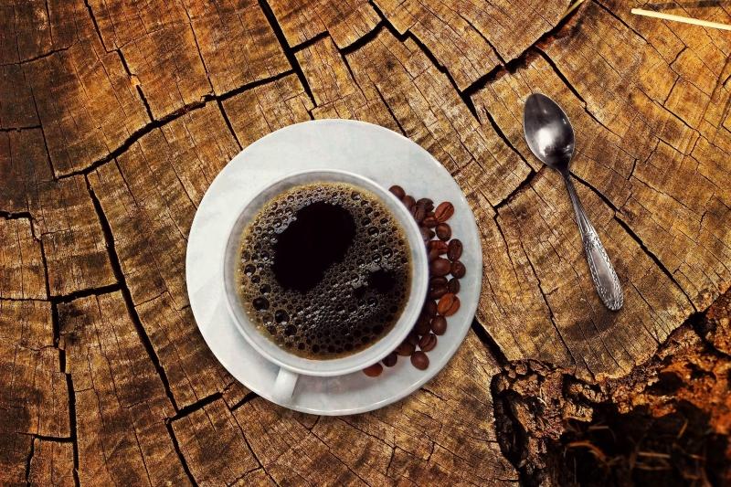 سبب قوي يمنعك من تناول القهوة قبل الإفطار
