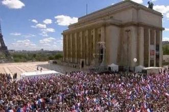 كم عدد سكان فرنسا
