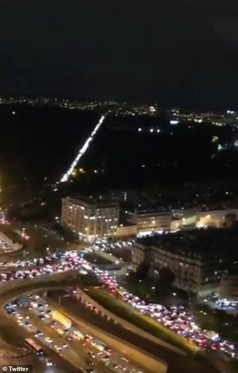 مشهد صادم.. آلاف الفرنسيين يهربون من باريس لهذا السبب 10