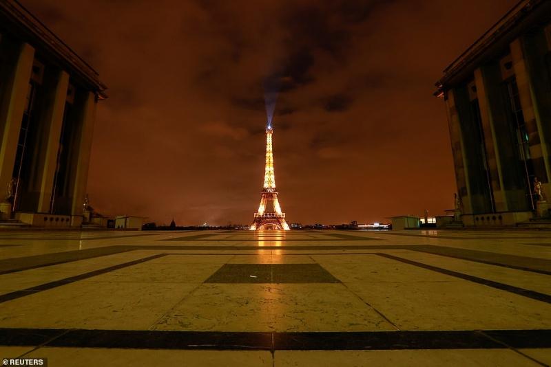 مشهد صادم.. آلاف الفرنسيين يهربون من باريس لهذا السبب 2