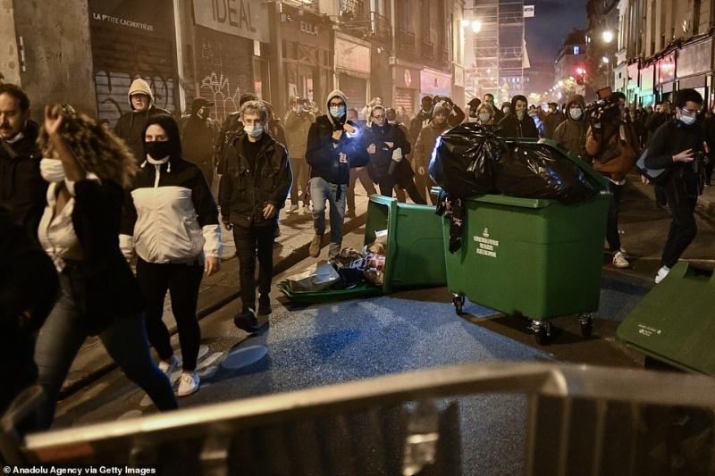 مشهد صادم.. آلاف الفرنسيين يهربون من باريس لهذا السبب 4