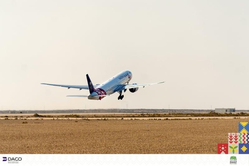 مطار الملك فهد يعتذر عن انقطاع التيار ويؤكد استمرار الحركة الجوية