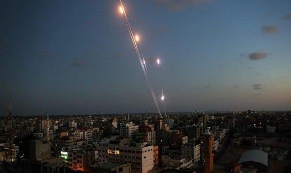 هجوم صاروخي يستهدف السفارة الأمريكية ببغداد
