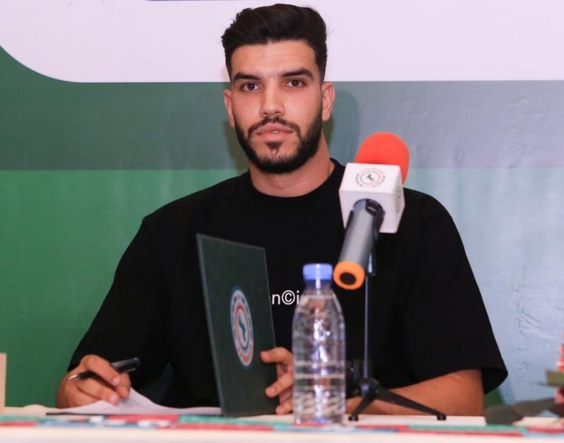 وليد أزارو ينضم إلى الاتفاق حتى 2022