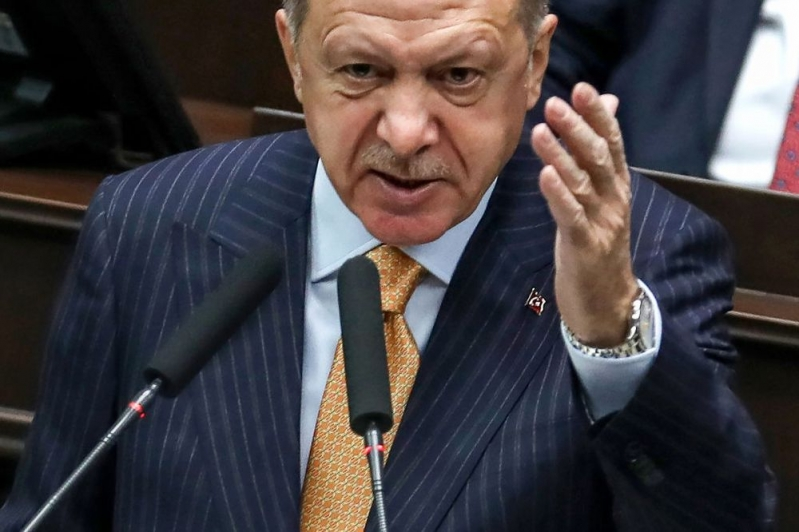 صحفي أمريكي : أردوغان يظن أنه سلطان عثماني جديد