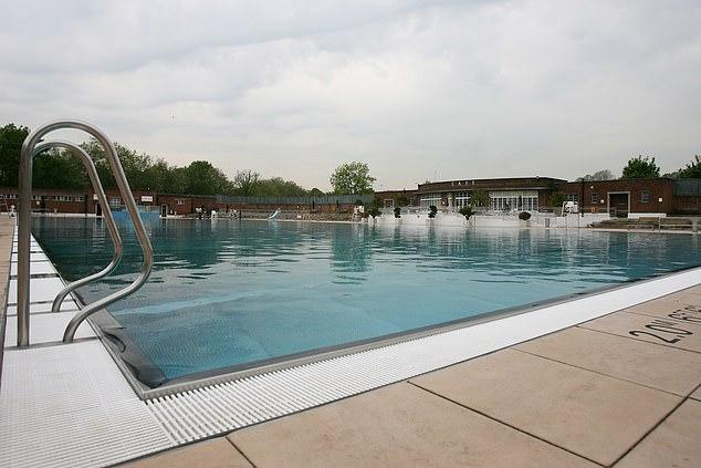 السباحة في الماء البارد تحمي من الخرف والأمراض الدماغية