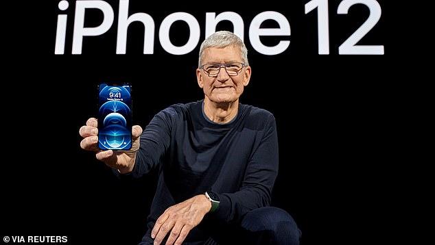 أبل تعلن عن مميزات جديدة في هاتفها آيفون 12 وقوة بطاريته