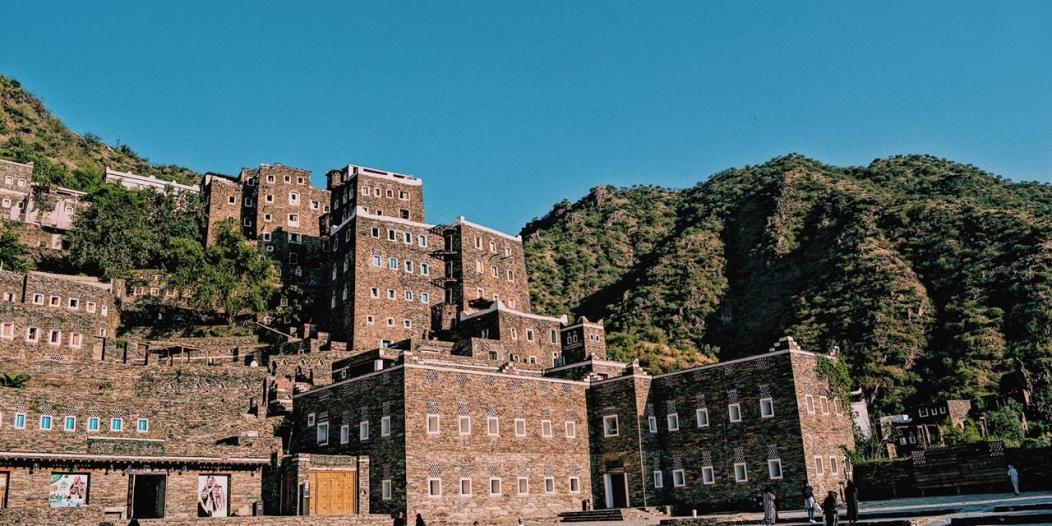 """في جولة لـ""""المواطن"""".. لقطات من قرية رجال ألمع التراثية"""