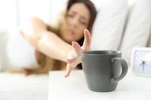 5 علامات تنبئ بـ إدمان الكافيين (1)
