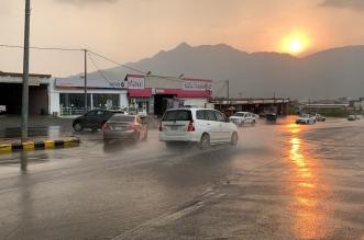 أمطار على محايل عسير والمدني: ابقوا في أماكن آمنة - المواطن