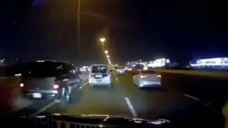 فيديو.. المرور السري يلاحق متهورًا يقود سيارته بسرعة جنونية