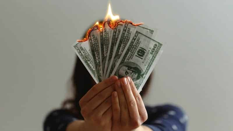 5 أخطاء مالية لا يرتكبها المليارديرات أمثال بيل جيتس ووارن بافيت