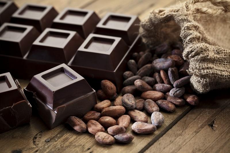 7 فوائد صحية مثبتة لتناول الشوكولاتة الداكنة (1)