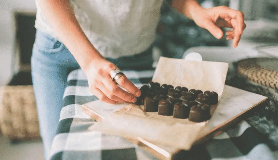 7 فوائد صحية مثبتة لتناول الشوكولاتة الداكنة