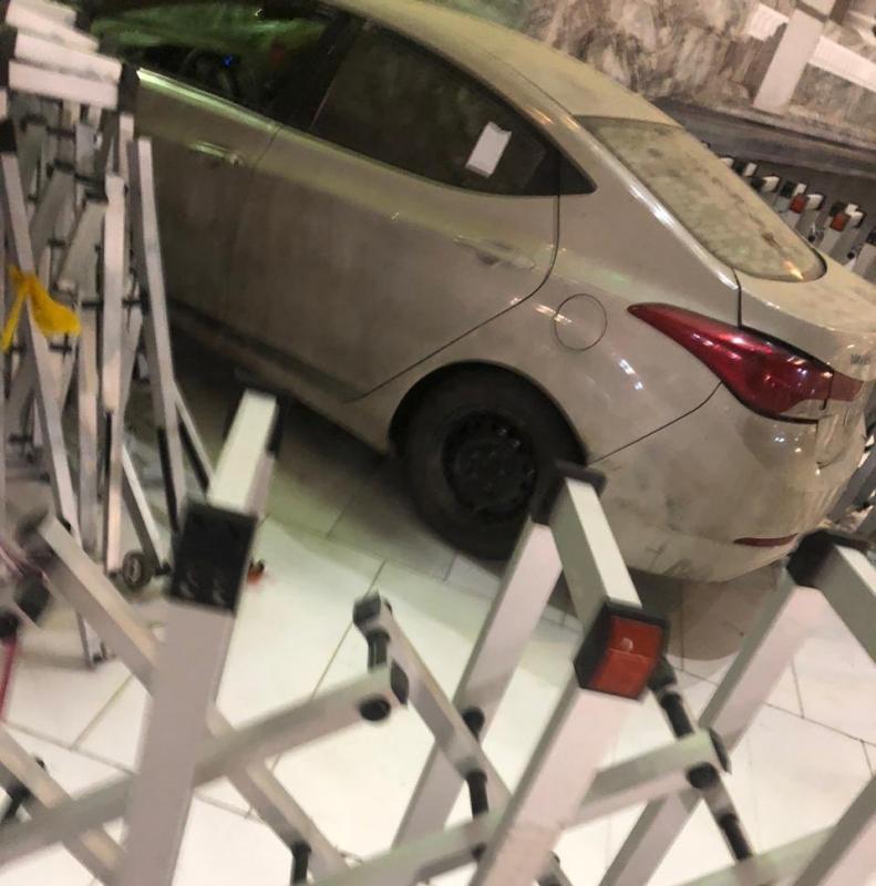 بيان عاجل من إمارة مكة حول حادثة ارتطام سيارة في أحد أبواب المسجد الحرام