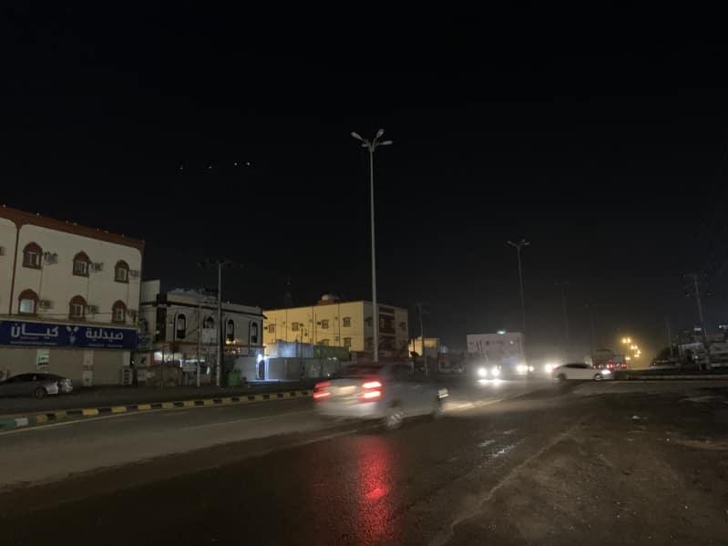 الأمطار تقطع الكهرباء عن شمال محايل عسير