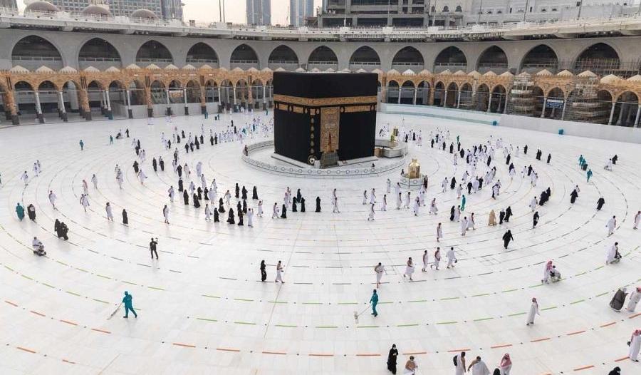 شؤون الحرمين تصدر 682 رخصة لمزاولة الأعمال بالمسجد الحرام