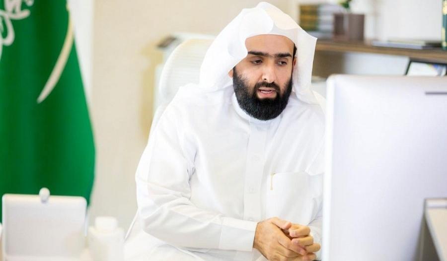 رئيس ديوان المظالم يستمع لطلبات واقتراحات المراجعين عن بعد