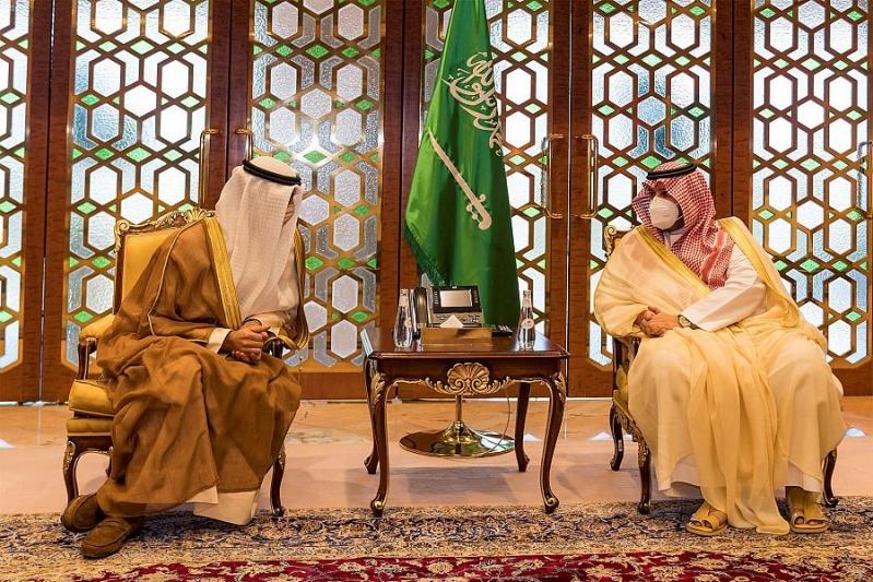 رسالتان لـ الملك سلمان وولي العهد من أمير الكويت والشيخ مشعل