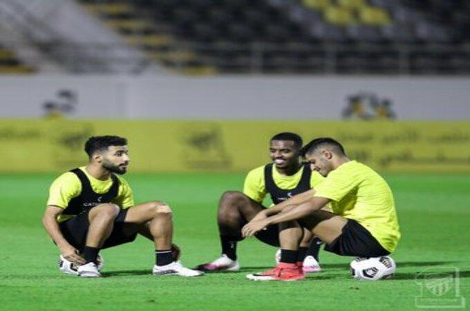 3 لاعبين يُثيرون حيرة مدرب الاتحاد قبل مواجهة الأهلي