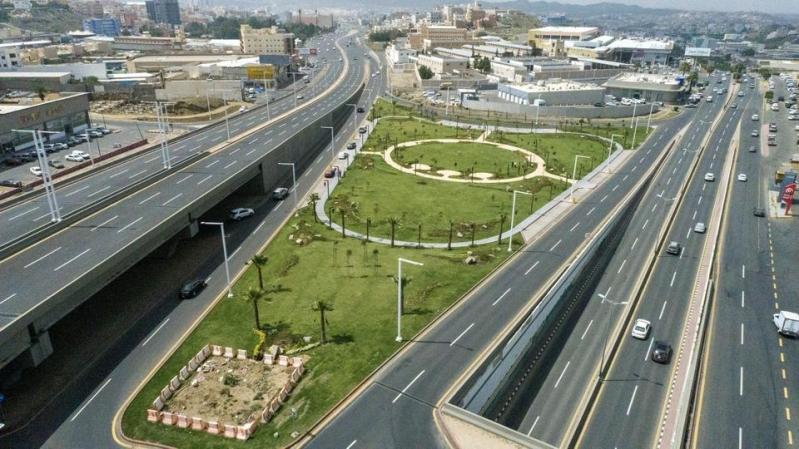 تركي بن طلال يعتمد طريق الأمير سلطان في أبها