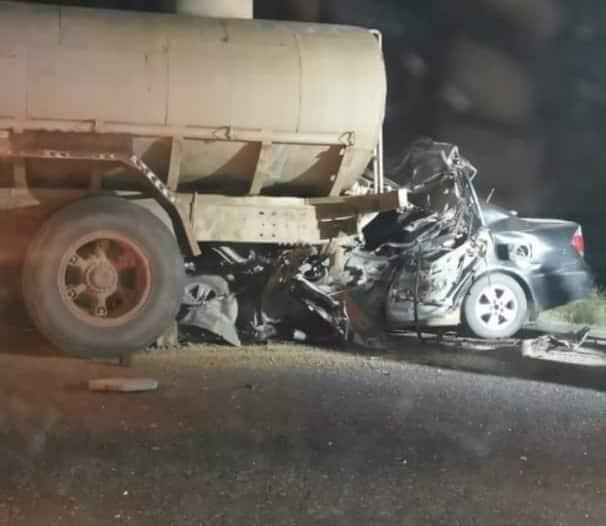 وفاة 6 من أسرة واحدة ونجاة طفلة في حادث مروع بجازان