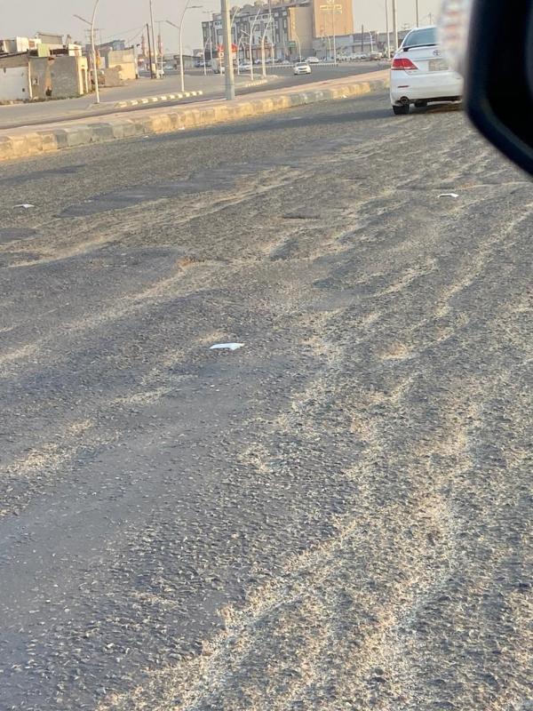 طريق الدغارير - صامطة شيخوخة واهتراءات وتشققات! - المواطن