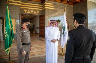 الأمير تركي بن طلال يكرم عددًا من منسوبي شرطة عسير - المواطن