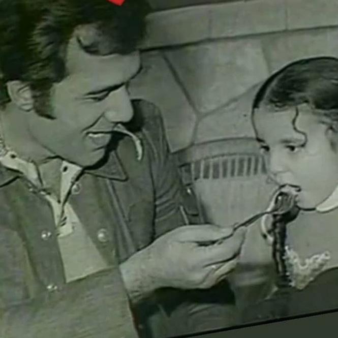 رانيا محمود ياسين تودع والدها بصورة مؤثرة - المواطن