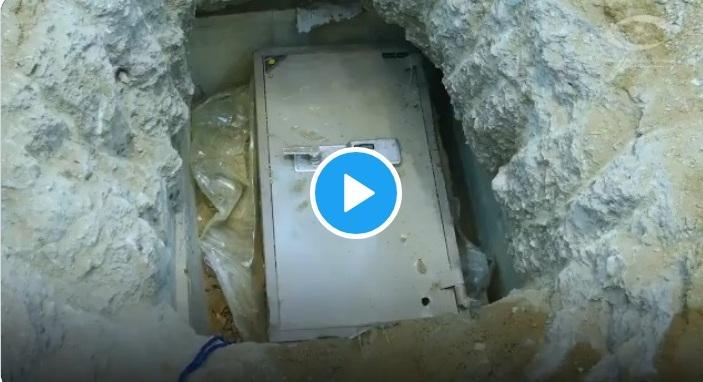 فيديو.. هكذا أخفى المتهمون في قضايا الفساد الأموال تحت الأرض