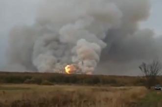 شاهد.. انفجارات ضخمة في مستودع للذخيرة في روسيا - المواطن
