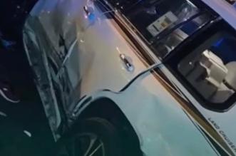 ضبط 3 مواطنين وامرأتين في مركبة بحوزتهم سلاح وقطعة حشيش بأبها