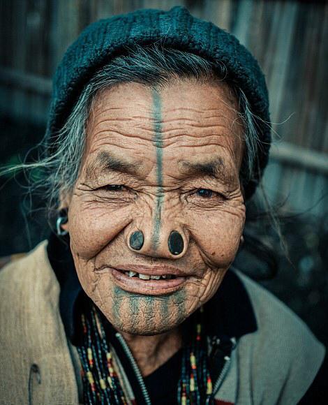 قبيلة هندية تشوه أنوف نسائها لحمايتهن من الاختطاف!